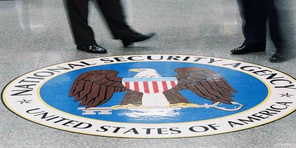 """""""Nsa intercetta Gps di 5 mld cellulari nel mondo""""   Le nuove rivelazioni di Edward Snowden"""