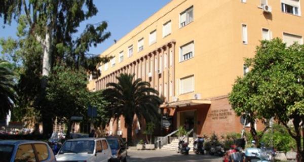 Assenteismo al Policlinico di Palermo, il garzone del panificio | passa il badge per favorire il dipendente assente