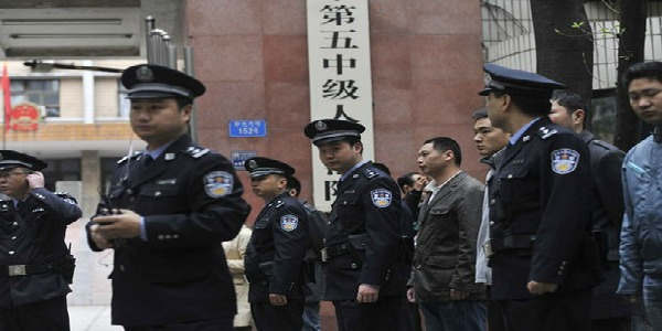 Cina, morte 16 persone durante i controlli della polizia | dopo un'operazione antiterrorismo nello Xinjiang