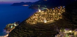 presepe-piu-luminoso-del-mondo-Manarola-cinque-terre