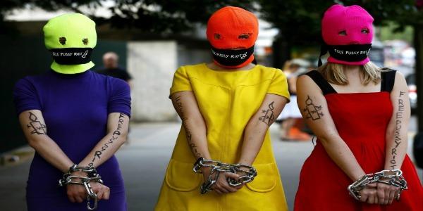 Russia, arriva l'amnistia per gli attivisti di Greenpeace | Verso la liberazione anche le Pussy Riot