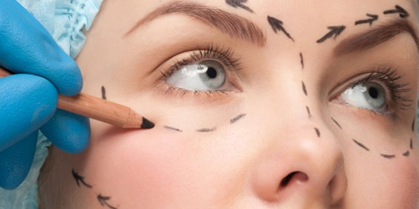 Chirurgia estetica low cost: gli esperti lanciano l'allarme