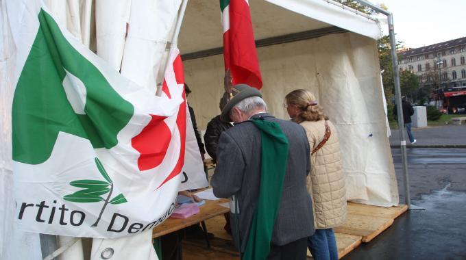 Primarie di Napoli, soldi per un voto | Bufera nel Pd, Bassolino fa ricorso