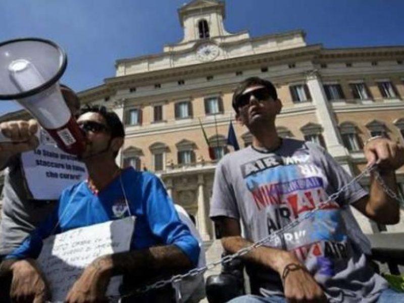 protesta malati di sla roma via del corso