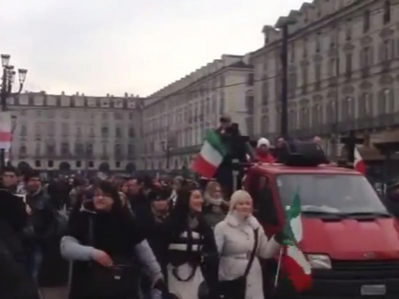 protesta forconi, torino, forconi 9 dicembre, video piazza castello torino, video protesta torino, video protesta piazza castello torino