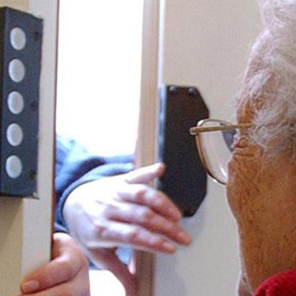 Milano, truffe ad anziani: 5 persone in manette