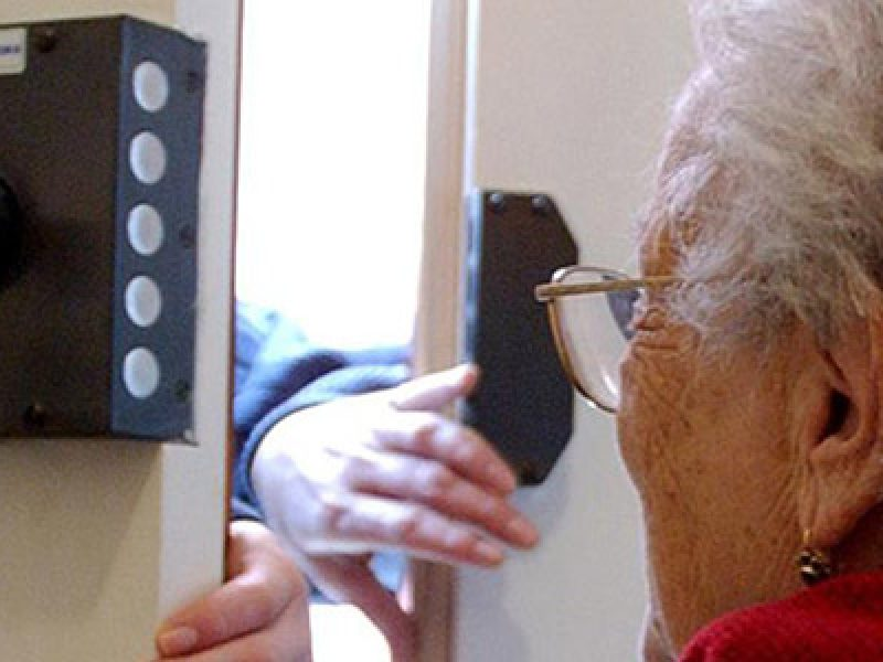 arresti truffe anziani, milano truffe anziani, truffa aggravata milano, truffe anziani milano, truffe napoletani anziani
