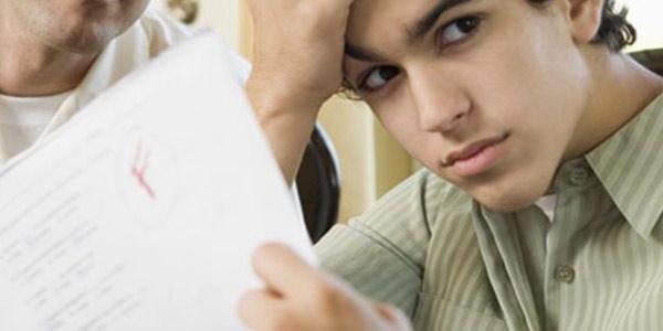 Vai male a scuola? È colpa dei tuoi genitori