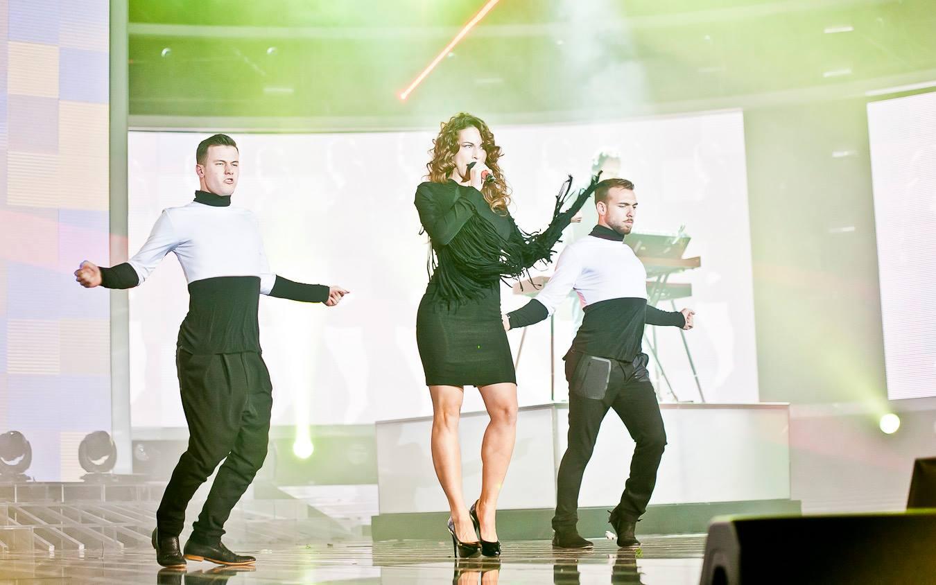 X Factor 7, Andrea sfiora la finale | Mandela ricordato all'arena