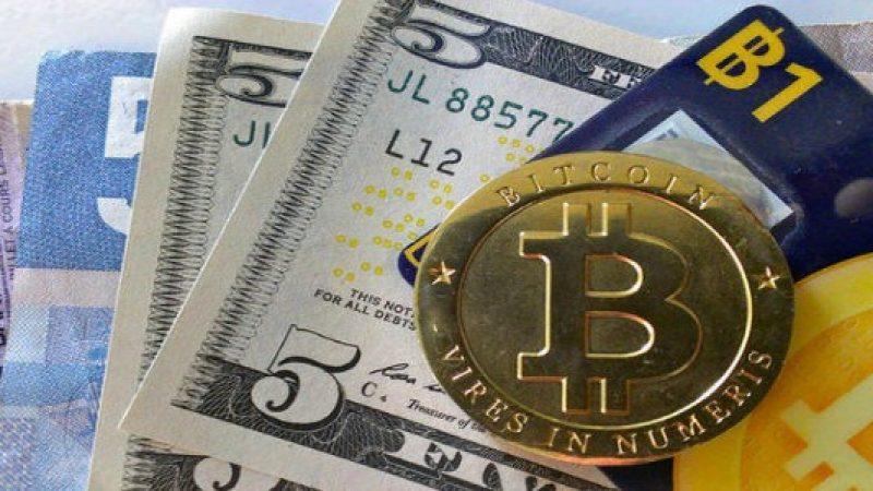 Il Bitcoin vola sopra quota 10mila dollari | Poi cala, ma è comunque un record