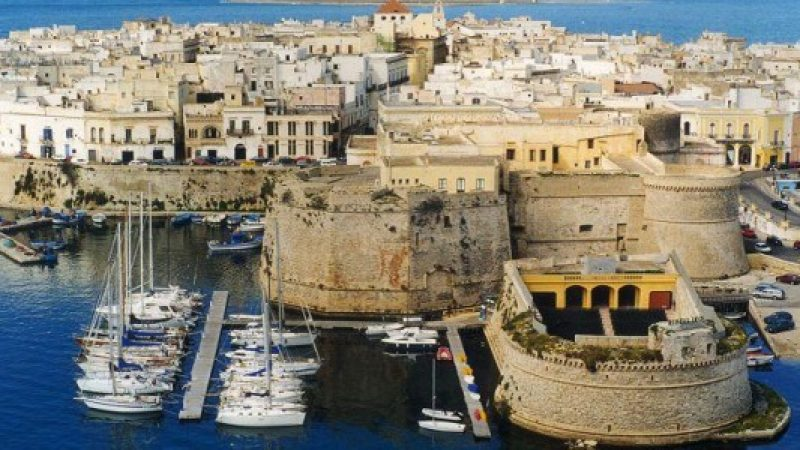 Droga, albanesi e la Scu rifornivano Gallipoli: 11 arresti