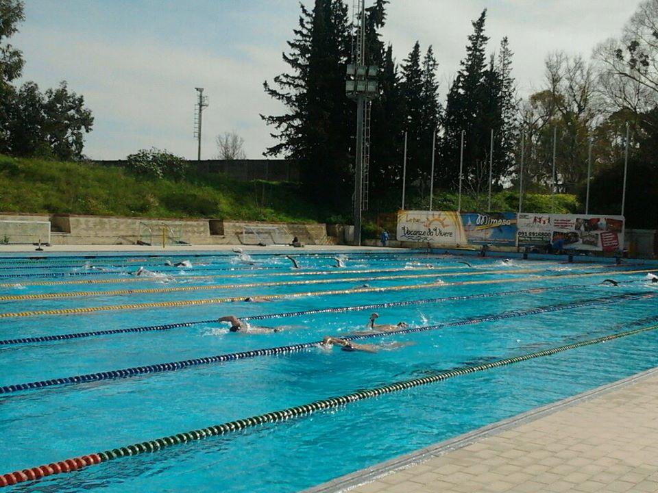 Palermo, nuotata con furto alla piscina comunale | Rubati 17 mila euro di incasso