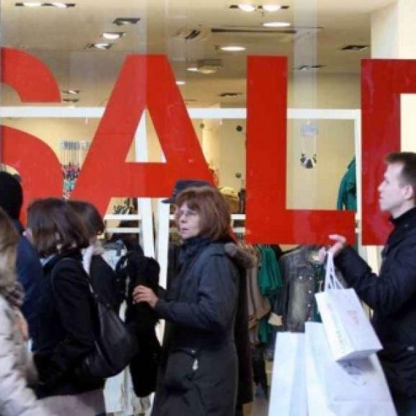 Forum Palermo si prepara all'avvio dei saldi | Sabato 6 gennaio negozi aperti fino alle 24