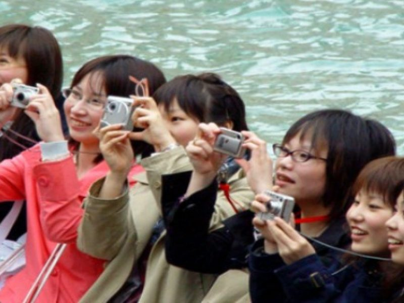 boom turismo stranieri in Italia, turisti stranieri spendono 16 miliardi in Italia, stranieri salvano estate 2018, turismo
