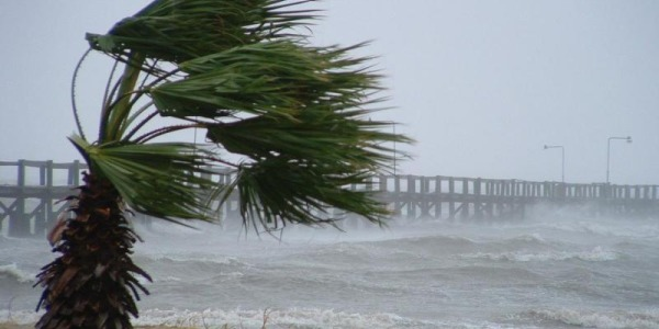 Allerta meteo in Sicilia, 24 ore di temporali | Venti di burrasca spazzeranno l'Isola