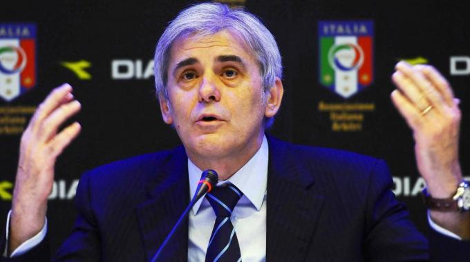 """Nicchi apre alla moviola, ma avvisa: """"La Serie A non diventi una playstation"""""""