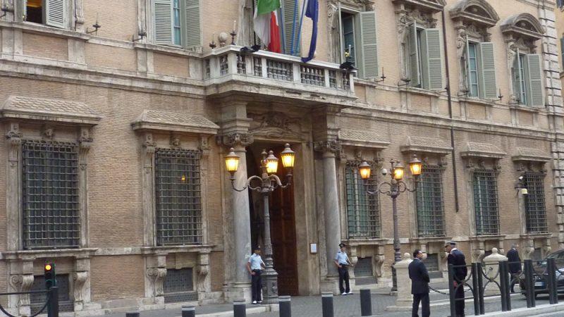 """Anticorruzione, ok del Senato. Europa: """"L'Italia acceleri le riforme"""""""