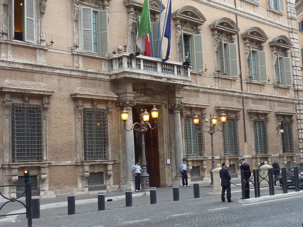 Riforme al via la maratona per il nuovo senato renzi for Palazzo 24