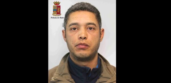 Ragusa, scoperte altre due case a luci rosse | Arrestato il presunto sfruttatore