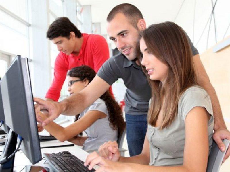 dati giovani italia, giovani a casa, numeri jobless, rapporto annuale giovani, rapporto annuale istat, redditi senza lavoro