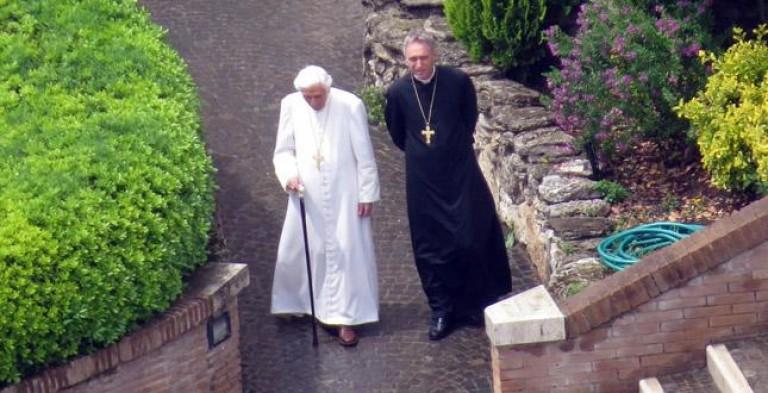 """Joseph Ratzinger: """"Valida la mia rinuncia,   sulla mia scelta non c'è nessun dubbio"""""""