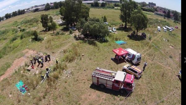 Sudafrica, una frana seppellisce 200 operai | in una miniera d'oro illegale