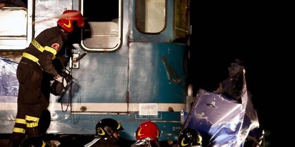 Brindisi, incidente a un passaggio a livello | L'auto si ferma sui binari, muore un 70enne
