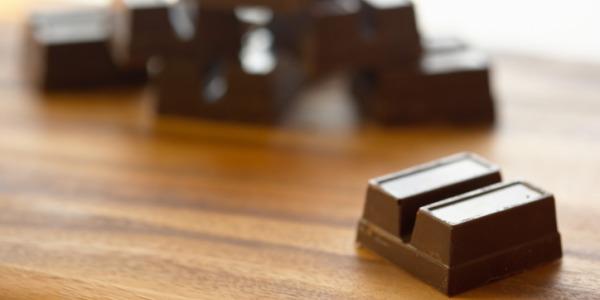 Il cioccolato fondente aiuta a migliorare la qualità del sonno