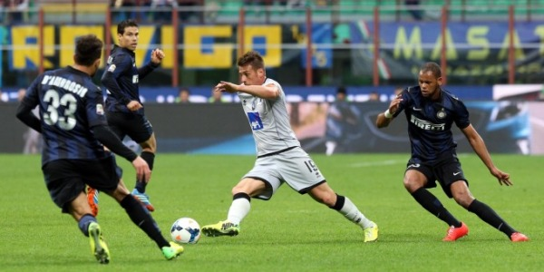 Inter, che beffa! I pali la fermano, vince l'Atalanta. Goleada Samp, 5-0 al Verona