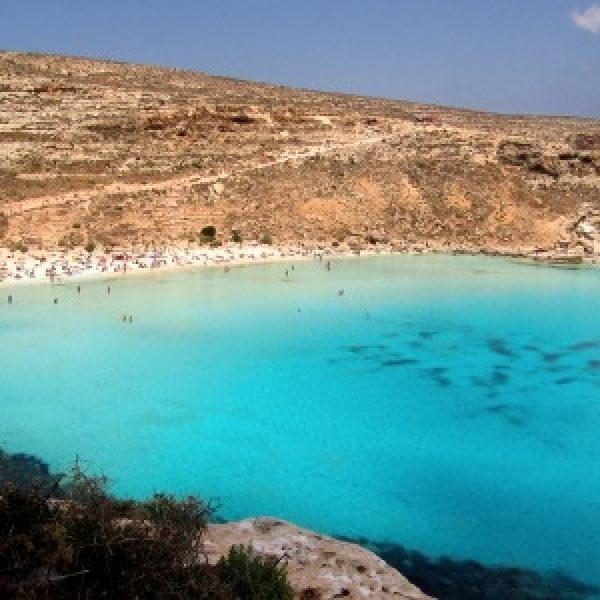 La spiaggia dei Conigli tra le più belle del mondo. LA CLASSIFICA