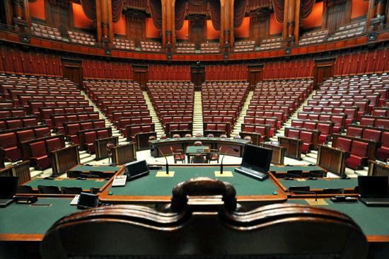 La mossa a sorpresa di Berlusconi spiazza| Pd ritira emendamenti, resta solo parità di genere