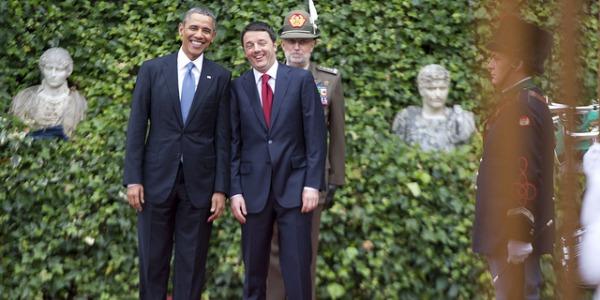 Il lungo corteo di Obama con le autoblù di Renzi | Moretti (Fs) e il mega stipendio, viva la sincerità