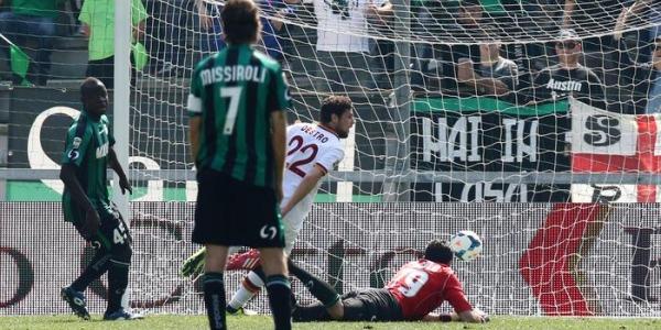 Sassuolo-Roma 0-2, un Destro da ko | Nel finale arriva il primo gol di Bastos