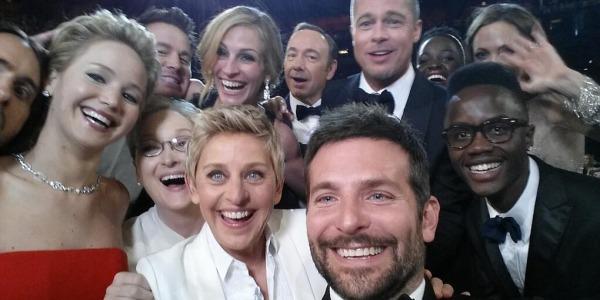 Notte degli Oscar e dei record: il selfie di Ellen DeGeneres il tweet più ritwittato nella storia