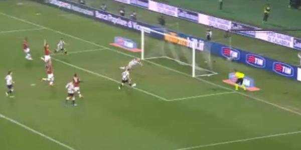 Milan ancora ko, vince l'Udinese 1-0 | Di Natale segna la rete numero 185 in A