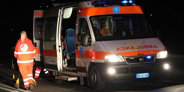 Autobus diretto a Roma si ribalta sulla A13   Un morto e quattordici feriti