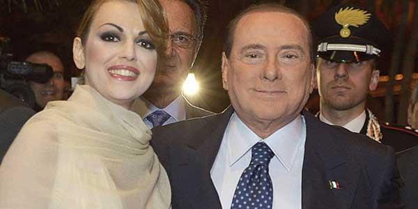"""Berlusconi smentisce il gossip: """"Non mi sposo, sono troppo vecchio"""""""