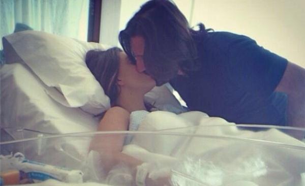 La showgirl Claudia Galanti ha partorito: è nata Caroline Sky /FOTO