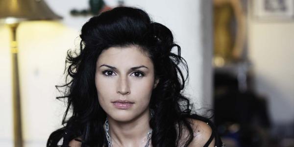 """Giusy Ferreri torna con il nuovo album """"L'Attesa"""" ed esprime un desiderio: """"Farei il giudice di X Factor"""""""