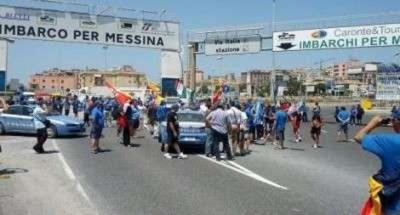 Villa San Giovanni, bloccato l'ingresso ai traghetti |  Disagi per i mezzi diretti in Sicilia