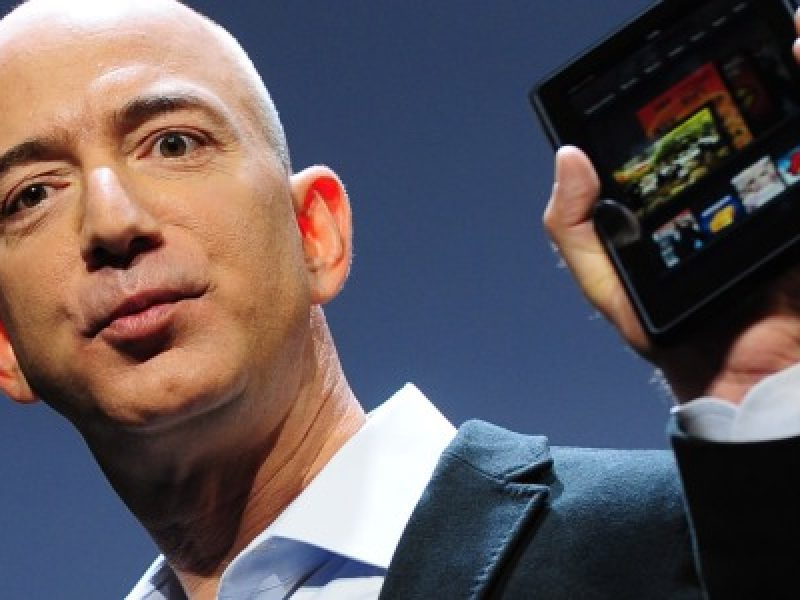 Smartphone amazon 6 sei fotocamere bgr ming chi kuo kgi securities jeff bezos
