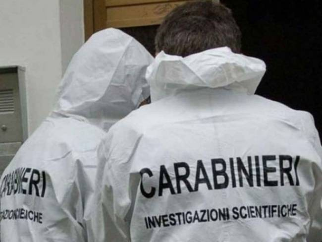 Giallo ad Aosta, giovane trovato semicarbonizzato | Sul cadavere diverse coltellate e fratture da caduta