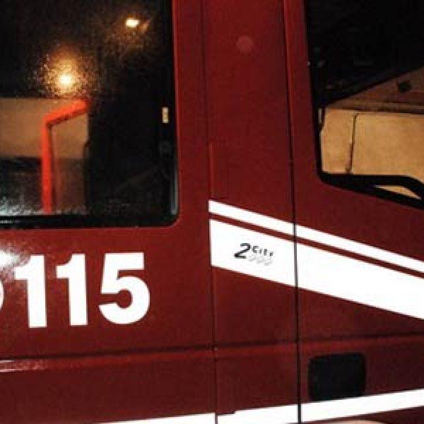 Bus prende fuoco, caos sulla A10 Genova-Savona
