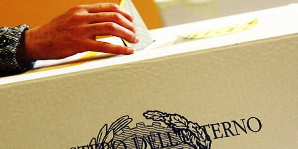 Cosenza, voto di scambio: arrestati l'ex sindaco e un consigliere di Amantea