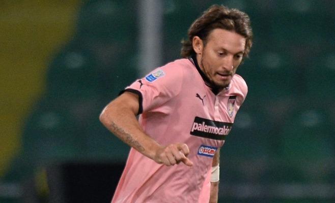 Barreto-Bolzoni, il Palermo vola | Avellino battuto 2-0, serie A più vicina