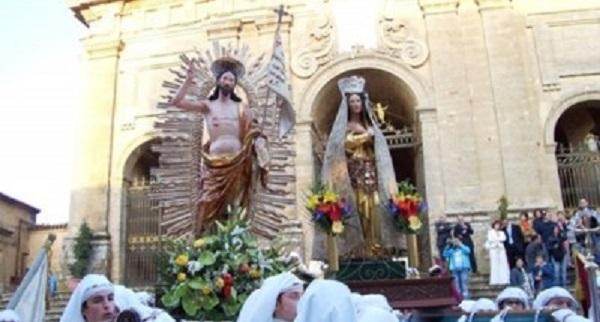 La Pasqua tra fede e tradizione, le celebrazioni in Sicilia