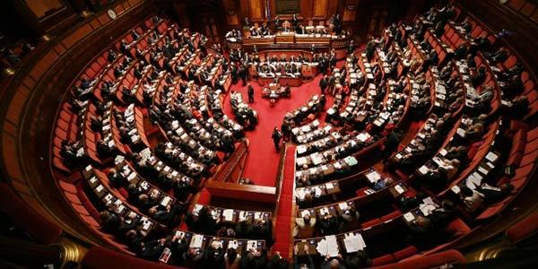Consulta ennesima fumata nera in parlamento nessuno dei for Il parlamento in seduta comune