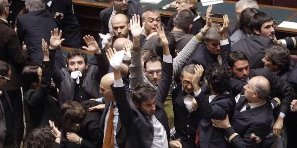 Movimento 5 stelle sospesi i deputati che avevano for Movimento 5 stelle camera