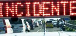 incidente Settimo San Pietro, scontro tra auto e pullman un morto conducente ford focus sei feriti pullman