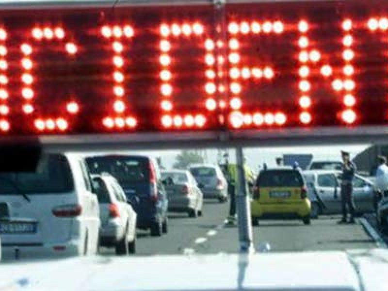 chiusura tratto A1, incidente, incidente a1, incidente A1 Bologna, incidente Bologna, Incidente mortale A1, incidente tir A1, scontro tra tir A1, suicido A1, traffico a1
